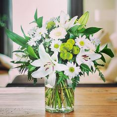 FloraQueen white lilies and roses bouquet