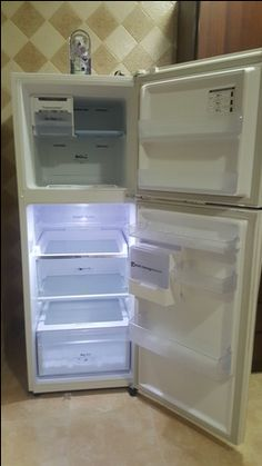 Dhahran Appliances SAR 1000 Excellent Condition Barley Used Samsung Refrigerator
