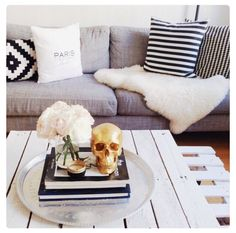 Living room inspiration with gold skull