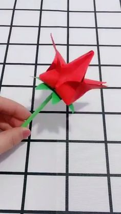 Here we have tried to group our Paper Craft ideas by type! Origami for Kids Newspaper Crafts. Paper Flowers Craft, Paper Crafts Origami, Newspaper Crafts, Paper Crafts For Kids, 3d Paper, Paper Toys, Flower Crafts, Diy Crafts Hacks, Diy Crafts For Gifts