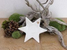 3 Glocken a`5 cm zum Hängen in weiß aus Keramik Advents und Weihnachtsdekoration
