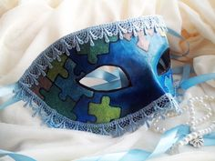 How to Decorate a Mask