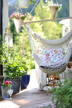 I love the sunlight, the garden and a feminine gentle place to be ... a place to relax