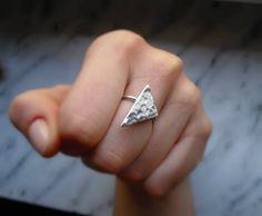 Anello Triangle battuto arg925