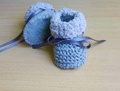 Chaussons Laine Bébé garçon et fille 0/3 mois dès naissance tricotés main semelle laine polaire et ruban