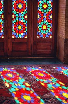 pink mosque in shiraz - nasir al mulk mosque in shiraz - interiors Stained Glass Paint, Stained Glass Designs, Stained Glass Windows, Mosaic Glass, Glass Art, Pink Mosque, Persian Architecture, Instalation Art, Persian Pattern