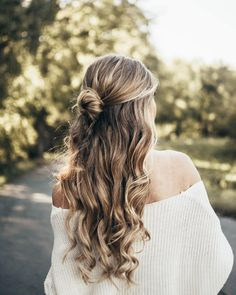 Loving this fall hairstyle Don't know what I'd do without my @luxyhair  click the link in my bio to access the luxy hair website and you can use the code JUSTJOSIE5 for a discount!  Just Josie (@josie_sanders) • Instagram photos and videos