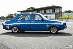 #Renault #R12 #Gordini au Losange Passion International. #MoteuràSouvenirs Reportage : http://newsdanciennes.com/2016/05/22/losange-passion-international-losange-tres-grande-forme/ #ClassicCar #VintageCar