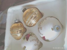 4 VTG Glass Christmas Ornaments Gold/White Stencil & handpainted cardinals RAUCH