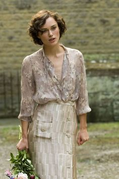 keira knightly is absolutly gorgeous nomatter her clother or hairstyle...she always looks incredible
