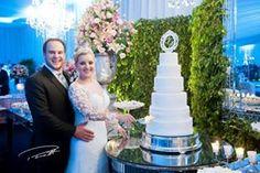 Corte simbólico do bolo! Carol e Gefe - Março de 2016  Por Perotti Fotografias