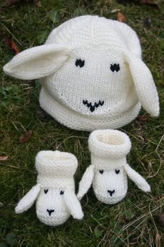 Knitting Pattern for Snugly Sheep Hat and Booties for Baby
