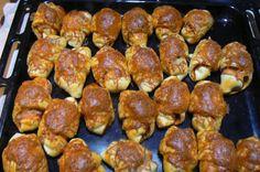 Fotorecept: Pizza rožky Russian Recipes, The Best, Pizza, Ethnic Recipes, Food, Croissants, Polish, Basket, Lasagna