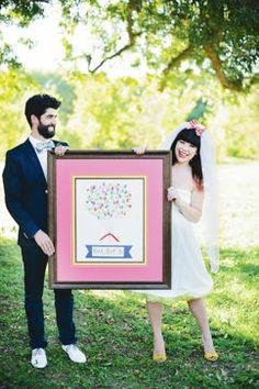 Cadre pour invités de mariage de style Carnaval joyeux