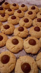ΜΑΓΕΙΡΙΚΗ ΚΑΙ ΣΥΝΤΑΓΕΣ 2: Μπισκότα τραγανά αμυγδάλου !!! Greek Recipes, Chocolate Cake, Food And Drink, Sweets, Cookies, Easy, Desserts, Crack Crackers, Food Cakes