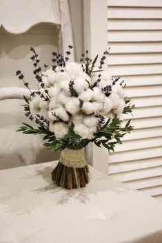 So unique and surprising.It feels like bringing the beauty of nature inside. Cotton Bouquet, Hand Bouquet, Dried Flower Bouquet, Dried Flowers, Lavender Bouquet, Alternative Bouquet, How To Preserve Flowers, Bridal Flowers, Flower Boxes