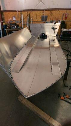18 ft river boat