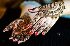 Eid Mehndi Designs 2016 will play an important role during this festive season from top three designs Indian, Pakistani, Arabic and African Mehndi designs Eid Mehndi Designs, Karva Chauth Mehndi Designs, Latest Mehndi Designs, Mehndi Designs For Hands, Hand Mehndi, Arabic Mehndi, Menhdi Design, Henna Patterns, Henna Art