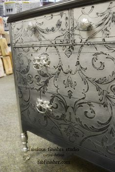 fabulous_finishes_ombre_grey_chalk_clay_paint_chest
