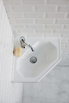 Traditionally inspired wall hung corner cloakroom basin Comes with 1 pre-drilled tap hole Expertly crafted from vitreous china 25 year manufacturer's guarantee Corner Basin, Corner Vanity, Cloakroom Basin, Bathroom Basin, Small Toilet Room, Small Bathroom, Bathrooms, Bathroom Ideas, Burlington Bathroom