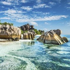 @Easyvoyage - Paradise in Anse Source d'Argent Seychelles  #myeasyvoyage #seychelles #paradise #beach #indianocean #beachlover #instatravel #bucketlist #neverstopexploring #passionpassport #travel #wanderlust #nature #naturelovers #beautifuld