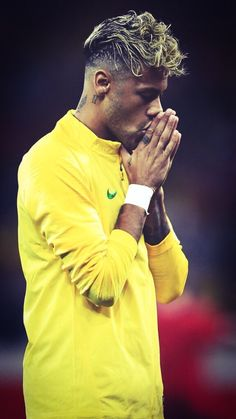 Neymar JR Photos - Neymar Jr of Brazil prior to the 2018 FIFA World Cup Russia group E match between Brazil and Switzerland at Rostov Arena on June 2018 in Rostov-on-Don, Russia. Switzerland: Group E - 2018 FIFA World Cup Russia Brazil Football Team, Football 2018, Neymar Football, National Football Teams, Sport Football, Messi Soccer, Nike Soccer, Soccer Cleats, Messi Neymar