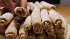 Fursecuri delicioase cu umplutură de nuci! - Retete-Usoare.eu Stuffed Mushrooms, Vegetables, Macarons, Food, Veggies, Essen, Vegetable Recipes, Macaroons, Yemek