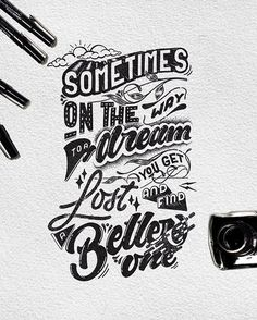 We gathered inspiring and beautiful lettering and typography design of miscellaneous artists for inspiration. Inspiration is supposed to courage you to do Graffiti Lettering Fonts, Font Art, Hand Lettering Quotes, Creative Lettering, Lettering Styles, Typography Quotes, Typography Letters, Lettering Design, Lettering Guide
