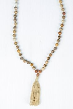 Energy flows through me, bursting out of every cell of my body. I am energized with passion, love, ideas, and knowledge. #malabeads #japamala #meditation