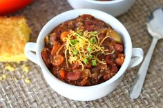 Vegetarian Quinoa Chili #Recipe Chili Recipes, Soup Recipes, Whole Food Recipes, Cooking Recipes, Pumpkin Recipes, Fall Recipes, Appetizer Recipes, Cooking Tips, Vegetarian