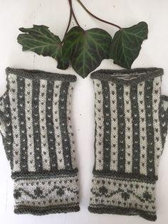 Mitten Gloves, Handicraft, Textiles, Throw Pillows, Quilts, Knitting, Crochet, Projects, Crafts