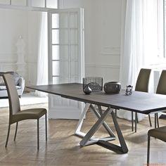 Millennium Ext | Tavolo con base laccata multicolore (bianco, sabbia, fango e testa di moro) e piano in rovere Spessart