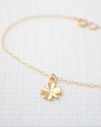Gold Shamrock Bracelet//