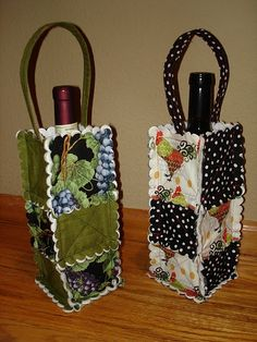 Wine Bag - Need Reliable Information About Wine Look Here! Wine Tote Bag, Wine Bags, Wine Purse, Wine Bottle Covers, Fabric Gift Bags, Small Sewing Projects, Creative Gift Wrapping, Wine Decor, Bottle Bag
