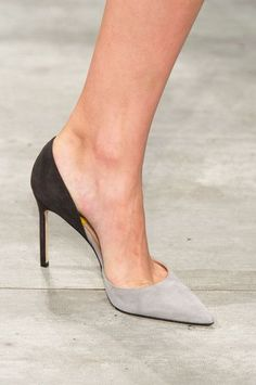Lela Rose at New York Fashion Week Spring 2015 - FootWear Pretty Shoes, Beautiful Shoes, Cute Shoes, Me Too Shoes, Shoe Boots, Shoes Heels, Ugg Boots, Lela Rose, Fashion Shoes