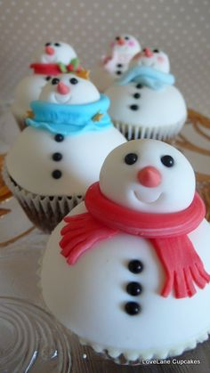 Snowman Cupcakes #LillyHoliday