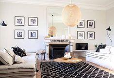 Canapé lin lavé beige écru et lin lavé blanc à La Maison Poetique à Bordeaux