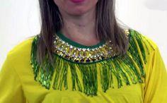 Camiseta customizada com bijuterias Festas Escolares 3c07e387c4e4f