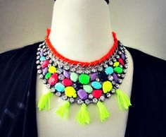 neon necklace... i want this so much