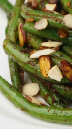 Pan-Charred-Green-Beans-with-Harissa recipe. This vegetarian side dish is gluten free and delish!