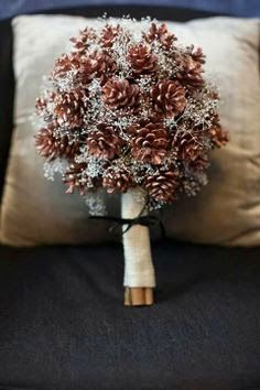 Great For a Christmas wedding!... .recycled, everlasting, and CHEAP!!  Suzy Homefaker: FRESH PINECONE CRAFTS