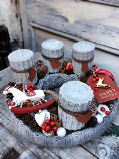 Stunning Christmas Sweater Wreath Advent Candles Decoration Ideas - Page 7 of 55 - Chic Hostess Christmas Advent Wreath, Xmas Wreaths, Christmas Candles, Christmas Centerpieces, Winter Christmas, Christmas Crafts, Christmas Decorations, Table Decorations, Advent Candles