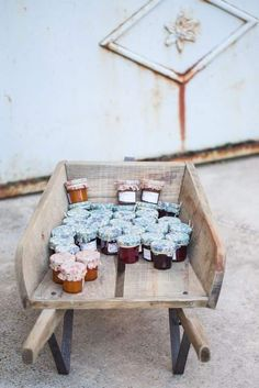 Romantic Weddings 55976 Bohemian wedding - champetre - guest gifts - mini jars of jam Bodas Shabby Chic, Shabby Chic Wedding Decor, Rustic Wedding, Bohemian Party, Guest Gifts, Shabby Chic Homes, Romantic Weddings, Wedding Decorations, Inspiration