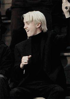 Draco x Reader Draco Harry Potter, Objet Harry Potter, Mundo Harry Potter, Harry Potter Characters, Fictional Characters, Draco Malfoy Aesthetic, Harry Potter Aesthetic, Slytherin Aesthetic, Tom Felton