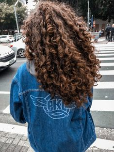 56 Hottest Long Curly Hairstyles that You're Going to Want to Copy lange lockige Frisuren; Wavy Hair, Her Hair, Girls With Curly Hair, Perms For Long Hair, Curly Medium Length Hair, Round Face Curly Hair, Long Curly Layers, Highlights Curly Hair, Long Curly Hair