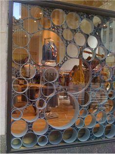 Modelo fechamento Decoração para vidro e vitrine com cano pvc.