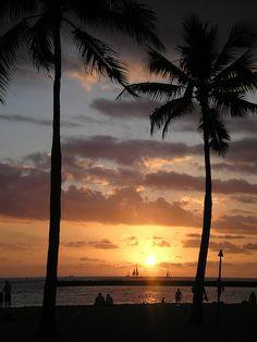Paradise   sunset on Waikiki Beach in Hawaii