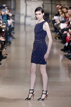 Yiqing Yin Spring 2016 Couture Fashion Show