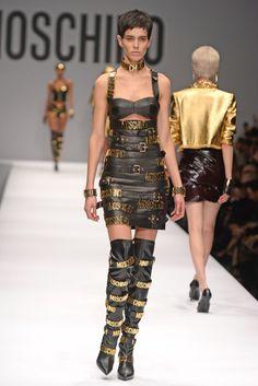 """""""Moschino RTW Fall 2014 - Slideshow - Runway, Fashion Week, Fashion Shows, Reviews and Fashion Images - WWD.com"""""""
