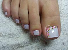 20 adorable toe nail designs and ideas 06 Pedicure Nail Art, Toe Nail Art, Hair And Nails, My Nails, Feet Nails, Toe Nail Designs, French Pedicure Designs, Nail Decorations, Creative Nails